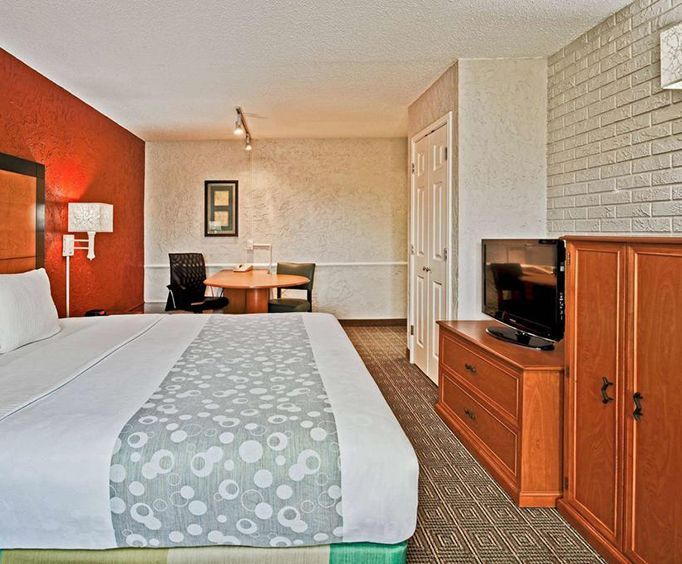 Room Photo for La Quinta Inn Tampa Bay Airport