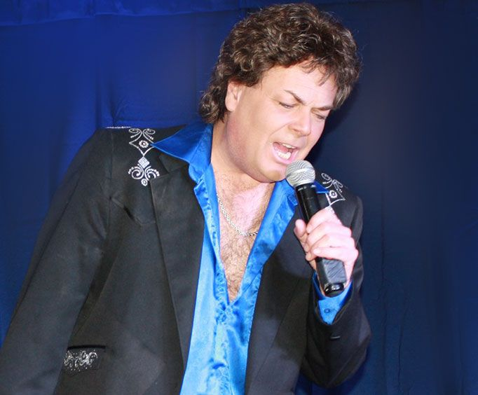 A Tribute to Conway Twitty Singing