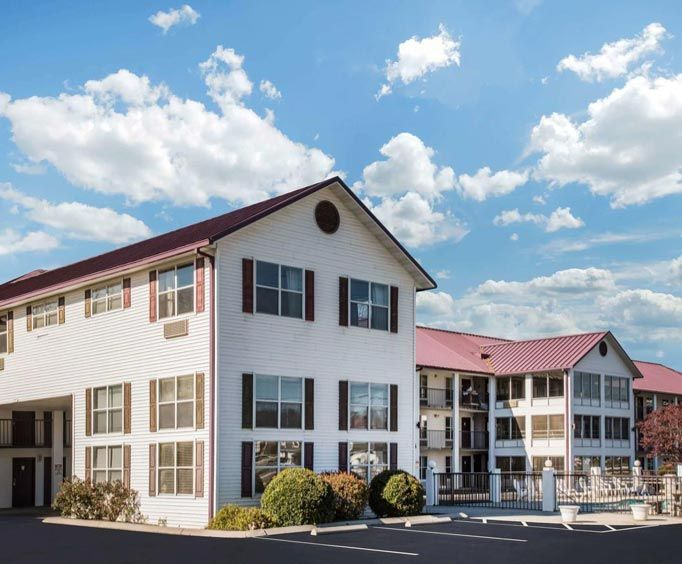 Exterior View of Super 8 Sevierville