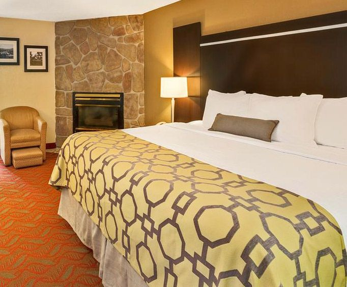 Room Photo for Baymont by Wyndham Gatlinburg On The River