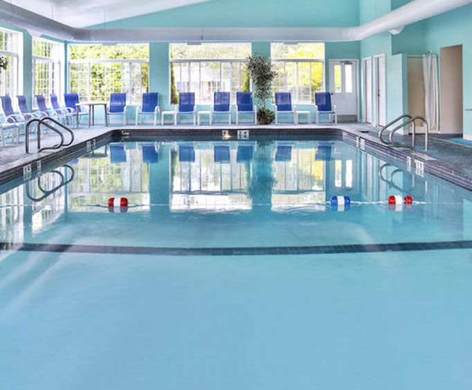 Holiday Inn Express Mackinaw City Indoor Pool