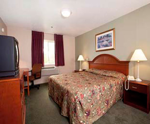 Room Photo for Super 8 Mt. Pleasant