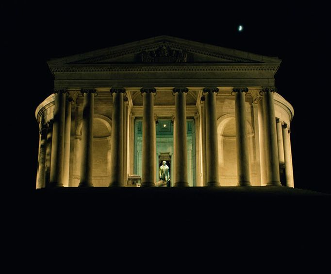 Jefferson Memorial at Night with Monuments by Moonlight Trolley Tour