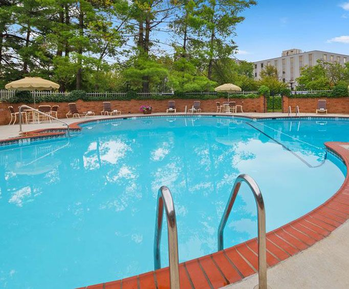Outdoor Pool at Best Western Fairfax
