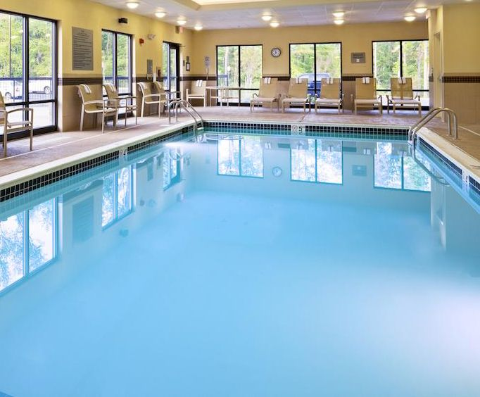 Hampton Inn  Suites Mt Vernon  Belvoir - Alexandria South Area Indoor Pool
