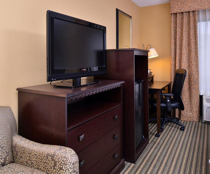 Hampton Inn  Suites Mt Vernon  Belvoir - Alexandria South Area Room Photos
