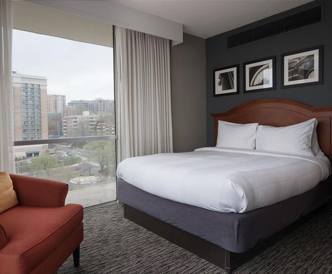 Photo of Marriott Key Bridge Arlington VA Room