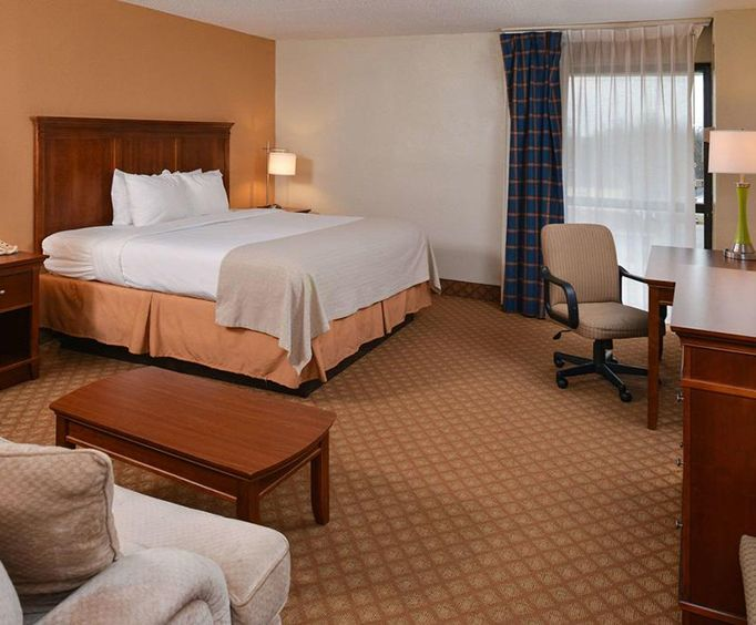 Photo of Clarion Hotel West Memphis Room