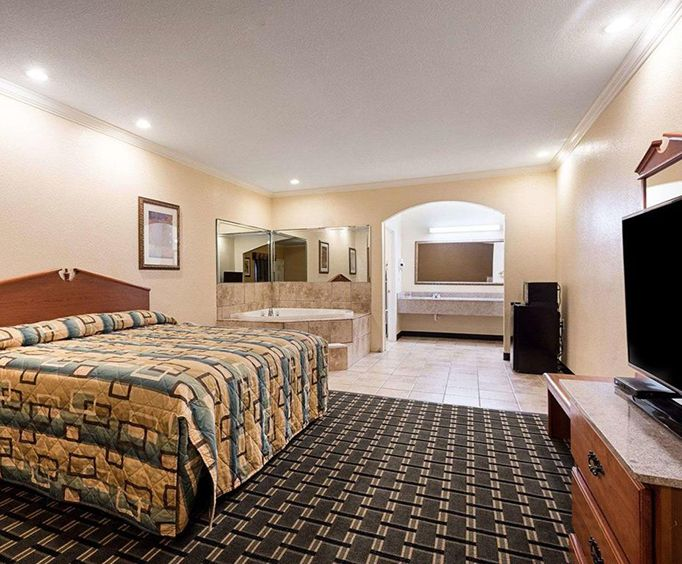 Room Photo for Econo Lodge Inn  Suites Horn Lake MS