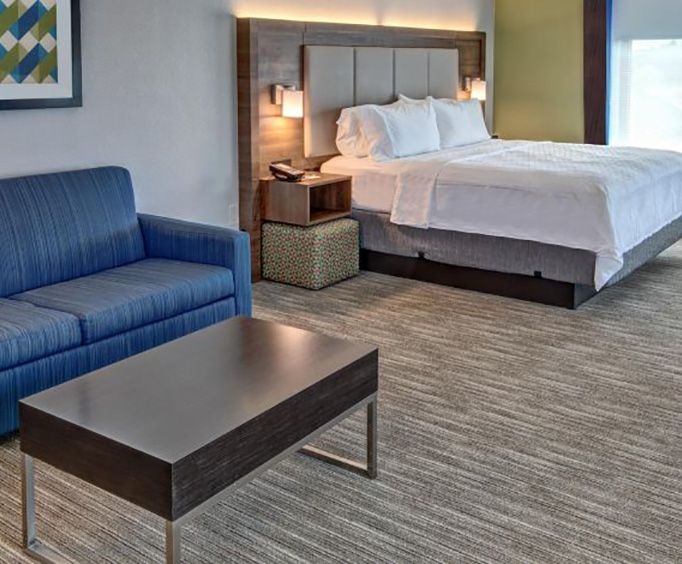Holiday Inn Express Hotel  Suites Memphis Southwind Room Photos
