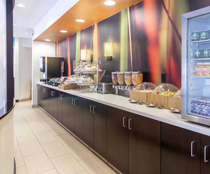 Springhill Suites by Marriott East Galleria Dining
