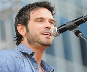 Chuck Wicks At Grand Ole Opry
