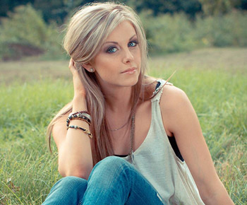 Lindsay Ell At Grand Ole Opry